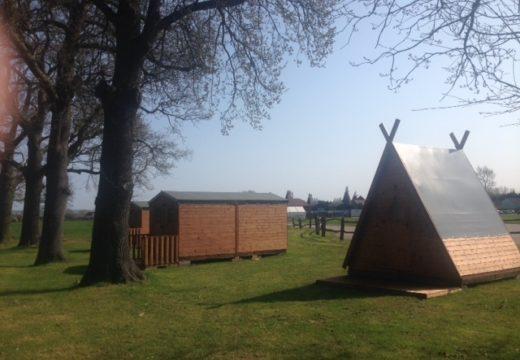 NEW - Glamping Hop Huts